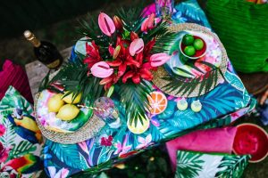 Tropical party decoration & styling