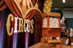 Circus party backdrop.